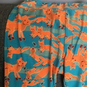 LuLaRoe Pants - Lularoe fox leggings OS
